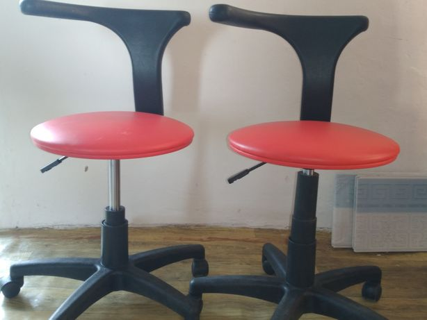 Кресло, стулья, кушетка, столик инструментный, зеркало,