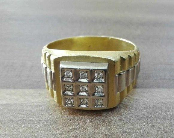 Мужской золотой перстень с бриллиантами