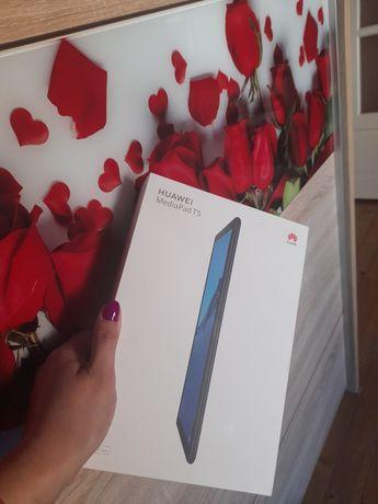 Vând tableta HuaweiPad T5 în cutie sigilata!!