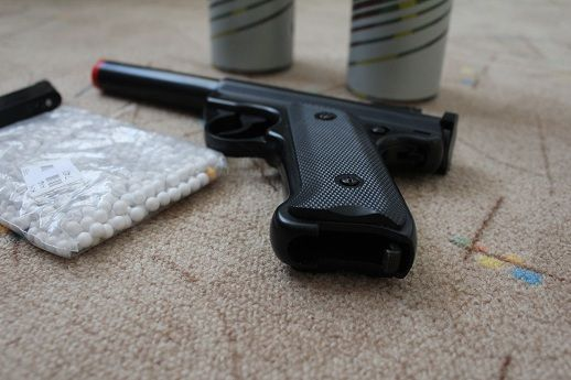 Pistol Airsoft Ruger+2 Spray-uri Gas Gun+500 bile ceramice 6mm