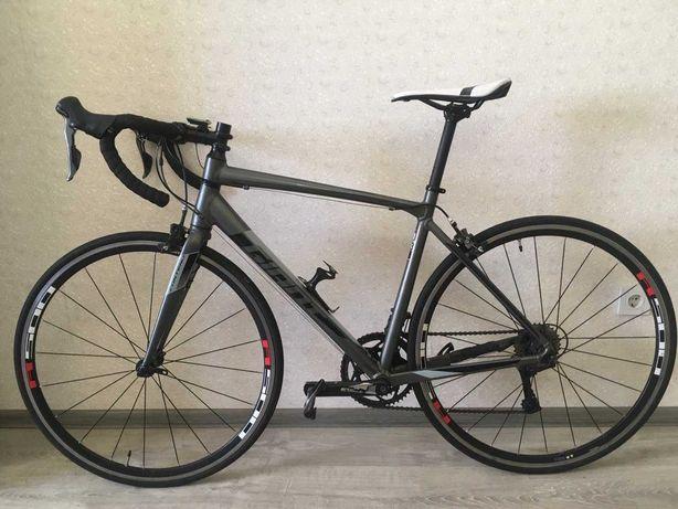 Шоссейный велосипед Giant Contend 3