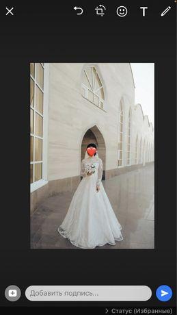 Продам свадебные платья 42- 44 размер.. в подарок цветы и кольцо плать