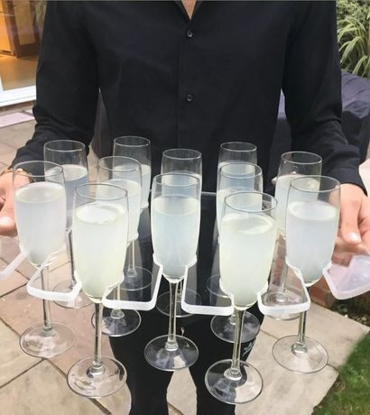 Tavi pentru recepție la nunți pentru șampanie