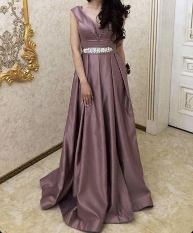 Платье на продажу