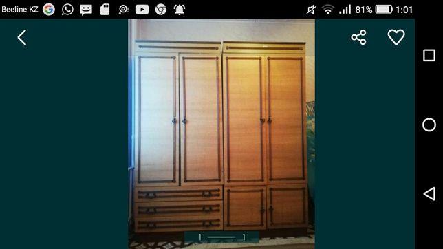 Продам  советский шкаф.