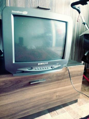 Продам компактный телевизор.