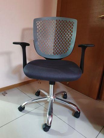 Кресло офисное 5000 тенге