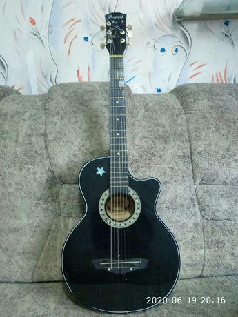 Продаётся гитара