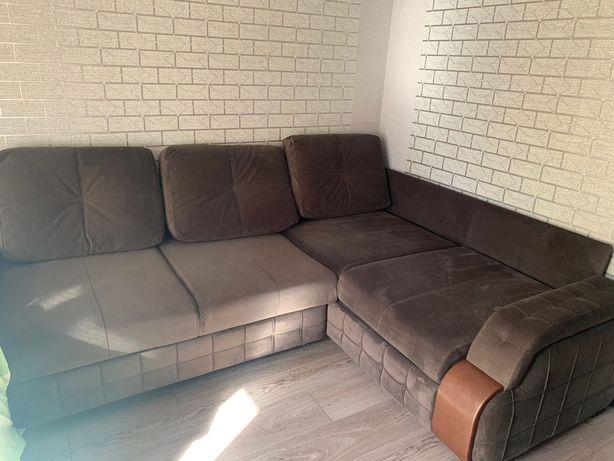 Продается диван в хорошем состоянии , механизм тик-так