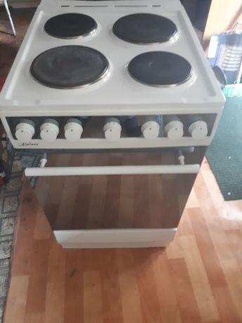 Электрическая плита  фирма  КАЙЗЕР германия