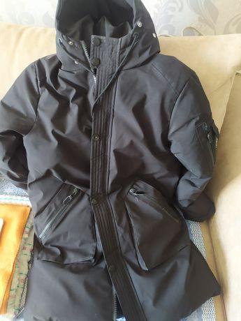 Продам зимнюю куртку на подростка.