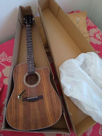 Продам акустическую гитару Flight