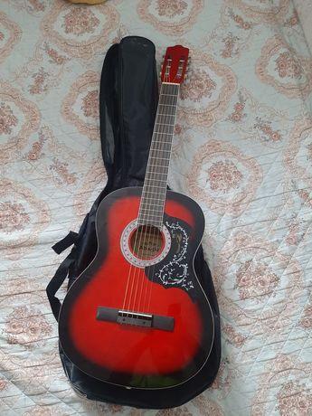 Продам гитару adagio r39