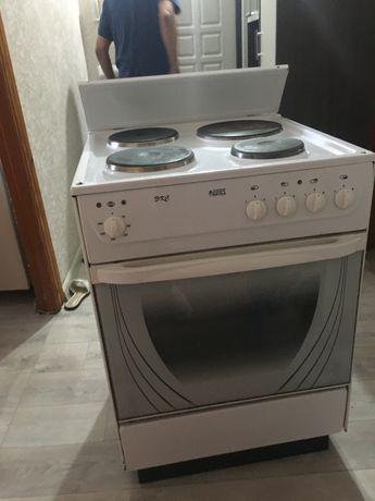 Продам рабочий плиту в хорошем состояние