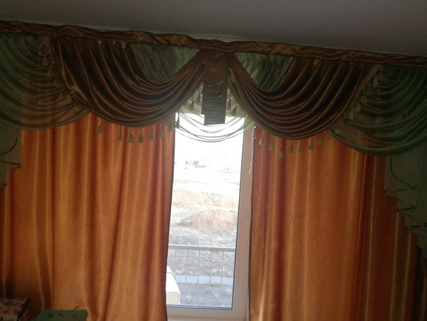 Продам шторы и ламбрекен в хорошем состоянии