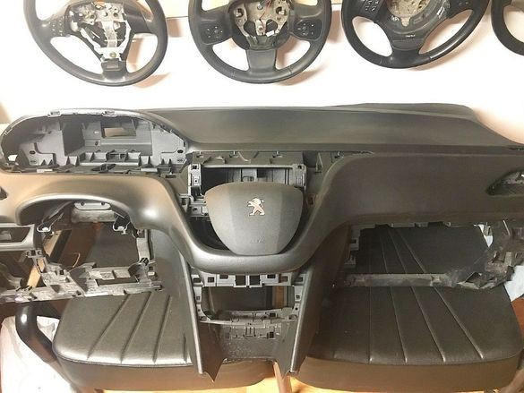 Аербег Аирбаг Airbag за воланa и таблото на PEUGEOT 208