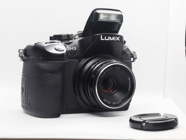 Panasonic lumix GH3 cu obiectiv negru