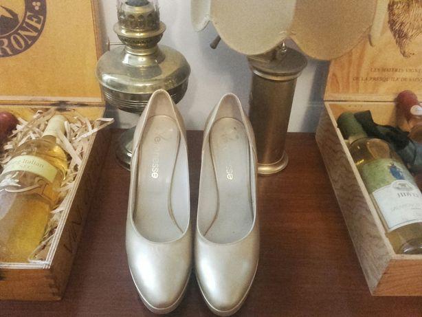 Pantofi aurii eleganti, cu toc ocazii speciale
