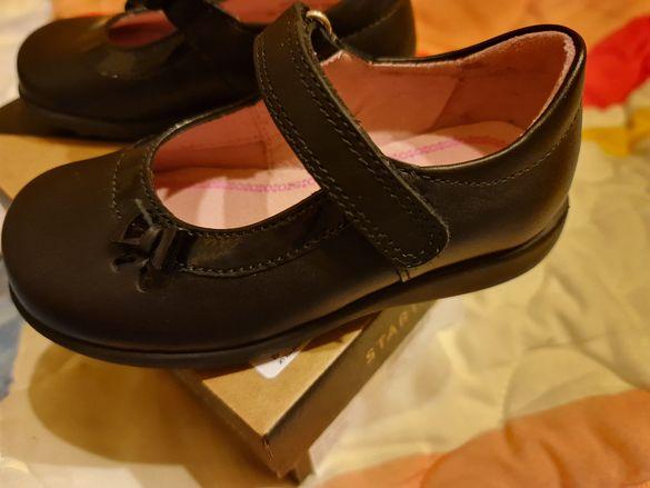 Детски обувки естествена кожа . нови