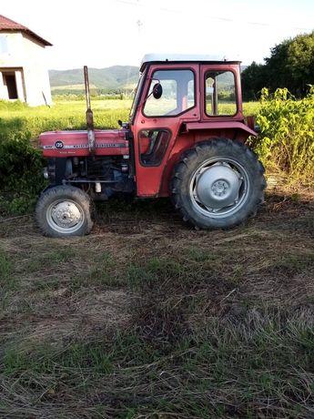 Vând tractor Massey Ferguson 135+plug+ disc+ remorca
