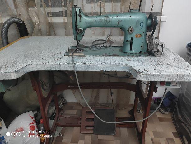Швейная машина однаигольчатая