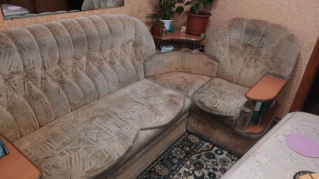 Угловой диван для спальни, кухни или  зала