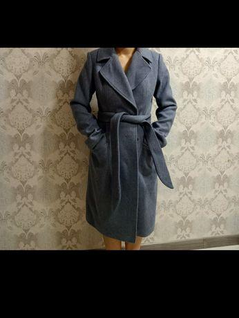 Продам пальто осеннее. Женское 42 р. Б/у