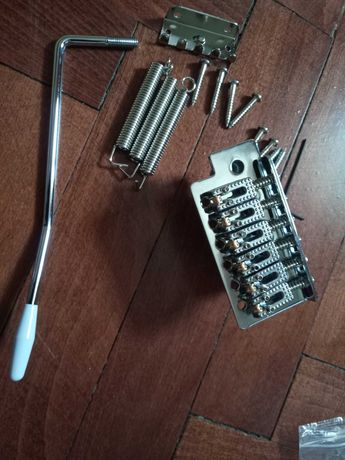 Strat/Fender ново тремоло с ролер седла