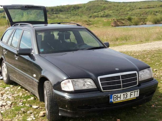 Vînd Mercedes c250