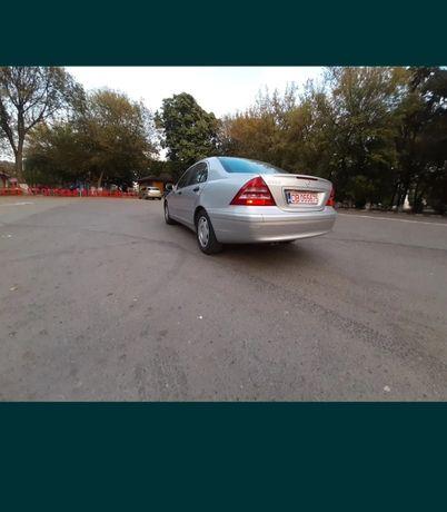 Dezmembrez mercedes w203 c180  sedan