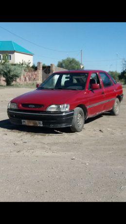 машина Ford escort 93