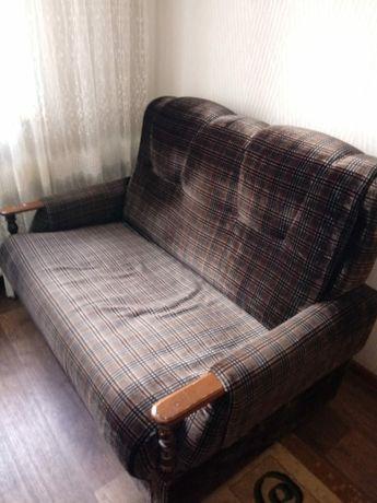 Срочно продается диван с креслом