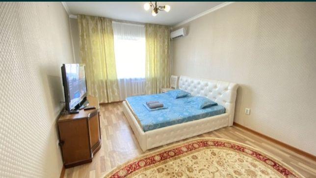 Посуточно 1 комнатная квартира левый берег