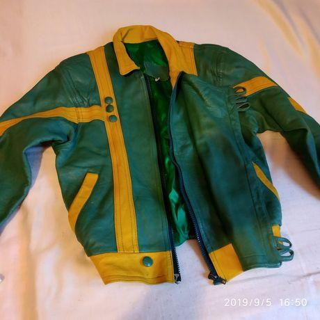 Куртка кожаная натуральная на мальчика 8/10 лет осенняя - 7500 тенге;