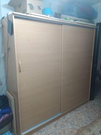 Шкаф /шифоньер купе