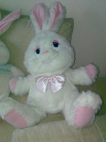 Продавам големи плюшени играчки зайци