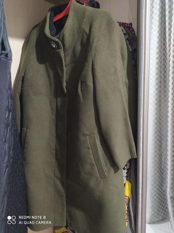 Женское пальто демисезонная