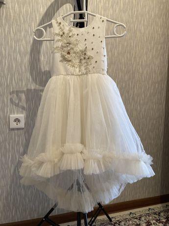 Турецкое платье для девочки. В отличном состоянии