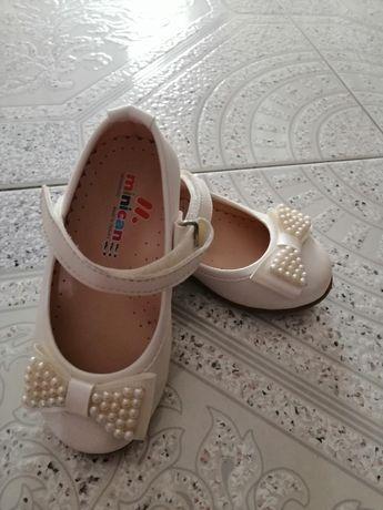 Обувки за малка принцеса