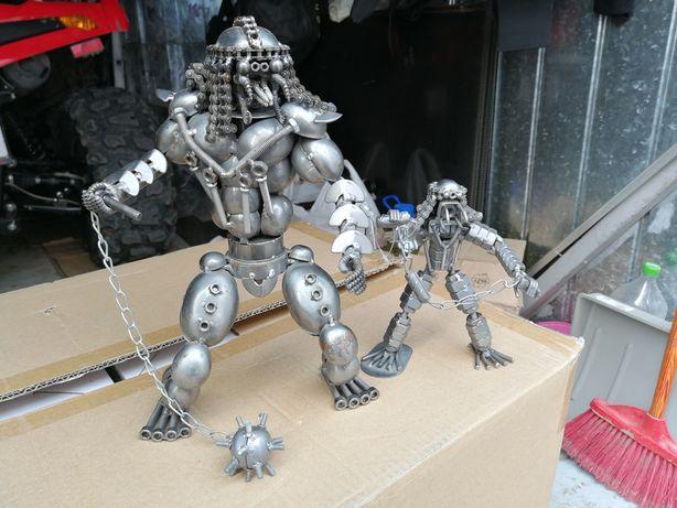 Figurine din fier șuruburi, zale, piulițe lot 2 bucăți, dim 30 cm/15cm