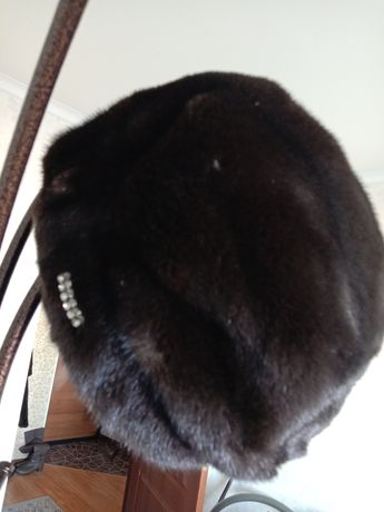 Продам ноковую шапку мех канадскиий
