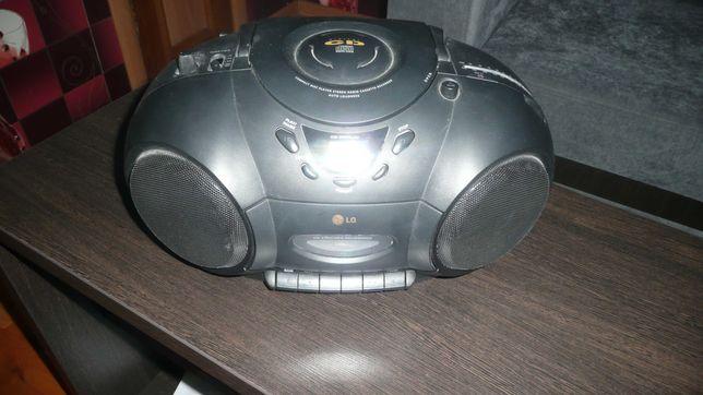 CD -магнитофон с радио LG