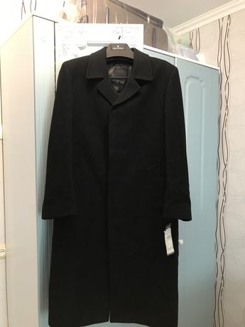 Пальто,димисизонное фирма Bugatti