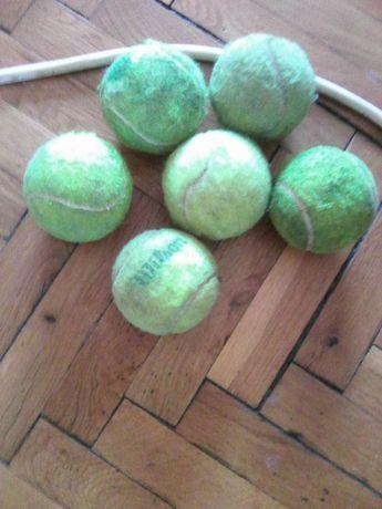 Продавам топки за тенис на корт