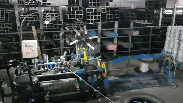 Машина за производство на бодлива тел.