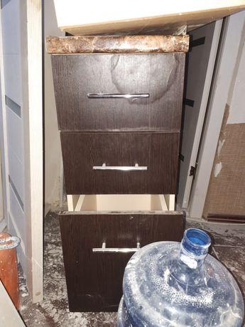 Шкафы кухонного гарнитура для маленькой кухни