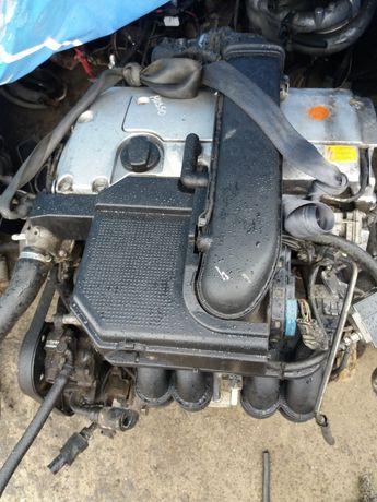 Двигатель 111 мерседес 2.3литра