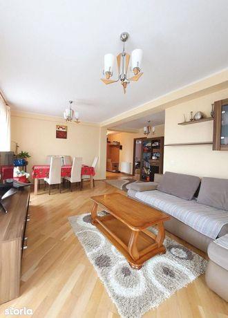 Apartament cu 3 camere de vânzare în Buna Ziua