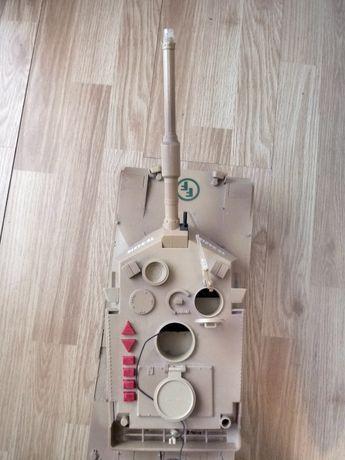 Vand URGENT tank cu telecomanda