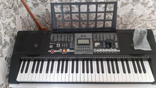 Продам синтезатор хорошего качества